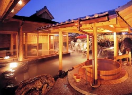 揭秘东京温泉澡堂
